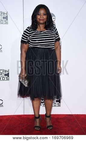 LOS ANGELES - NOV 20:  Octavia Spencer arrives to the American Music Awards 2016 on November 20, 2016 in Hollywood, CA