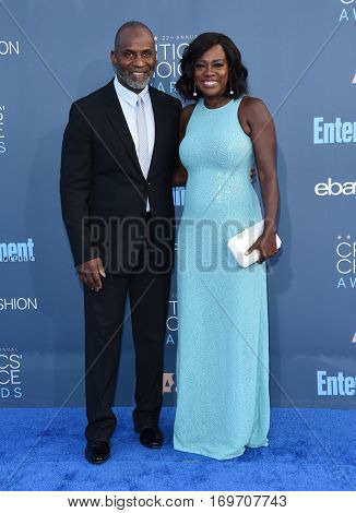 LOS ANGELES - DEC 11:  Viola Davis and Julius Tennon arrives to the Critics' Choice Awards 2016 on December 11, 2016 in Hollywood, CA