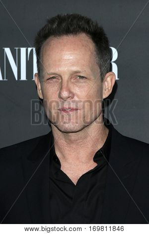 LOS ANGELES - SEP 29:  Dean Winters at the