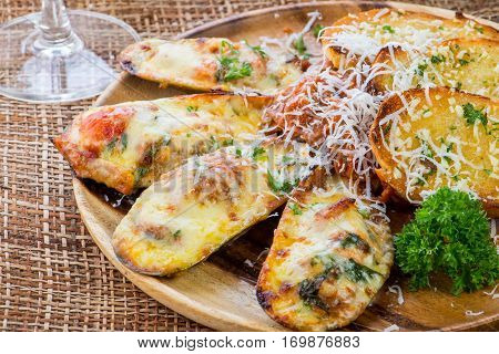 Mussels Baked With Cheese And Garlic ,toasts With Basil And Garlic,italian Food,home Made.