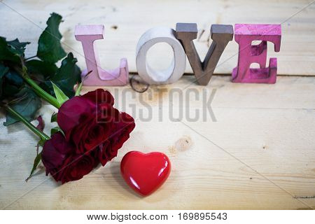Roses with a heart - valentine wedding