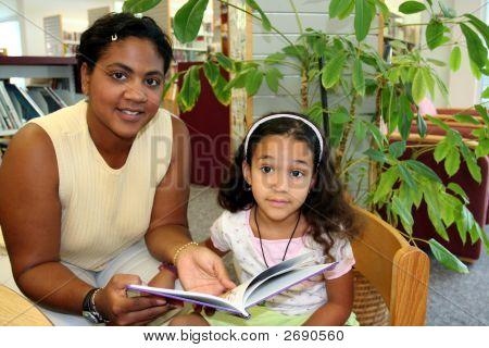 Niño y profesor