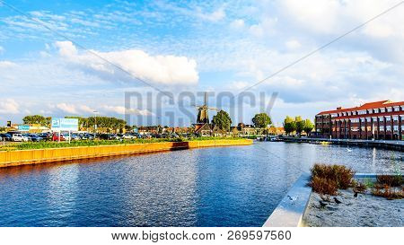 Harderwijk / The Netherlands - Sept. 30, 2018: The Inner Harbor Of The Historic Fishing Village Of H