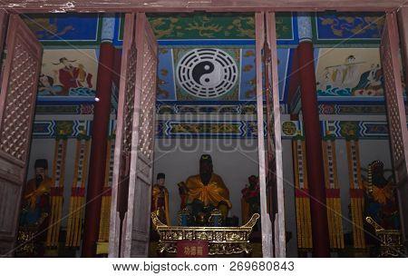 Chibi, Hubei/ China - Oct 25 2018: Guan Yu Statue. Guan Yu Temple. Travel In Chibi City. This Temple