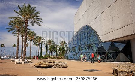 St Petersburg, Florida - May 29th: Unidentified Visitors Walk Past The Salvador Dali Museum In St Pe