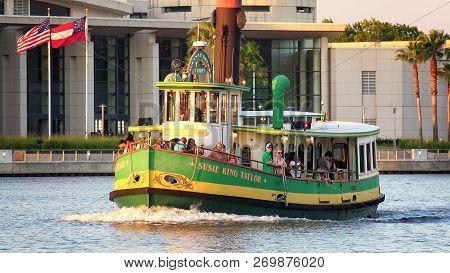 Savannah, Georgia - June 20th: Water Taxi Along The Historic River Street Waterfront In Savannah, Ge