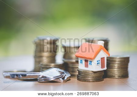 House Key And Mini House , Real Estate Investment, Save Money With Stack Coin, Business Growth Inves