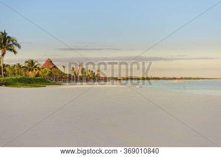 Sea Shore On The Caribbean Beach In The Area Hoteleria In Cancun.