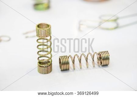 The Wire Coil Spring Parts For Industrial Purpose. The Sample Of Coating Coil Spring For Anti Corros
