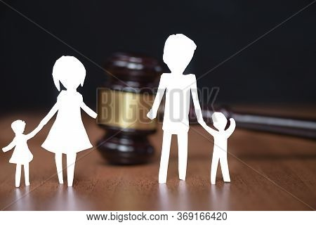 Legal Area Children. Section Of Children During A Divorce. Childrens Legal Zone. Family Law, The Con