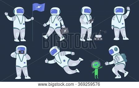 Cartoon Spaceman Flat Icon Set. Space Explorer, Cosmonaut Or Astronaut In Spacesuit Flying And Walki