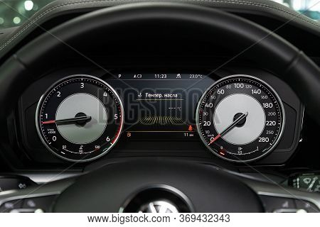 Novosibirsk/ Russia - March 15, 2020: Volkswagen Touareg, Round Speedometer, Odometer With A Range O