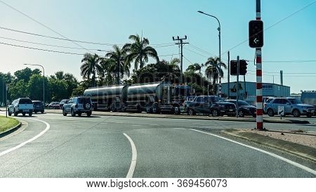 Mackay, Queensland, Australia - June 2020: Traffic Stopped By Lights At A Busy Road Intersection Dur