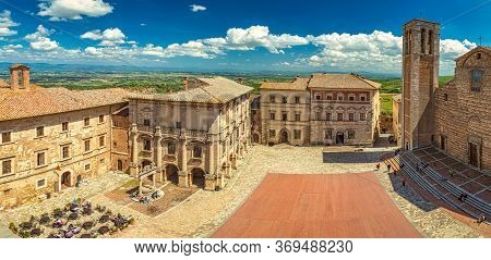 Montepulciano, A Medieval And Renaissance Hill Town In  The Italian Province Of Siena In Southern Tu