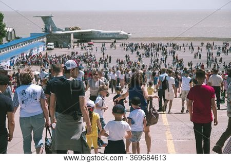 Taganrog, Russia - 18.05.19: A Lot Of People At The Festival Airshow. A Huge Crowd Of People Against