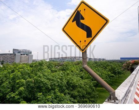 Expressway Arrow Sign Curve Warning Sign On The Road