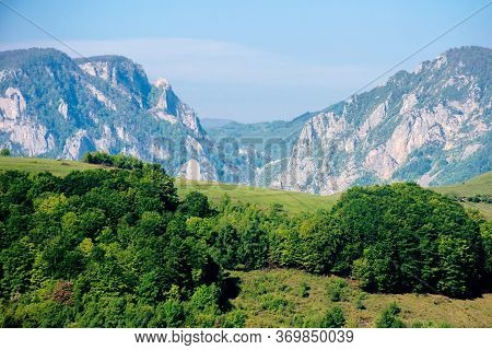 Rocks And Cliff Of Romania Gorges. Beautiful Mountain Landscape View. Scenic Nature Of Apuseni Natur