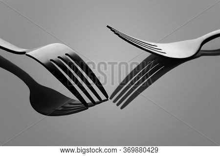 Two Fork, Fork Unique, Fork In The Reflection