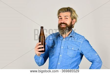 Drinking Beer Good For Your Mood. Making Homemade Kombucha. Refreshing Lemonade. Soda Drink. Hipster