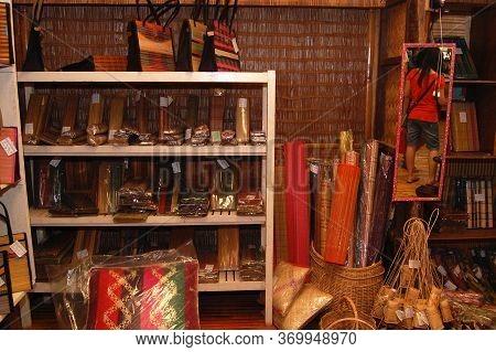 Palawan, Ph - Dec 1 - Weaving Bag Display At Binuatan Creations On December 1, 2009 In Puerto Prince