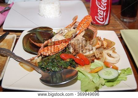 Palawan, Ph - Dec 1 - Seafood And Vegetable Meal At The Lotus Garden Asian Fine Dining Restaurant On