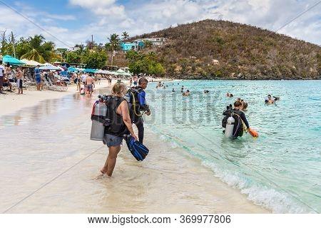 Coki Point, St. Thomas, U.s. V. Islands (usvi) - April 30, 2019: Scuba Divers On The Tropical Coki P