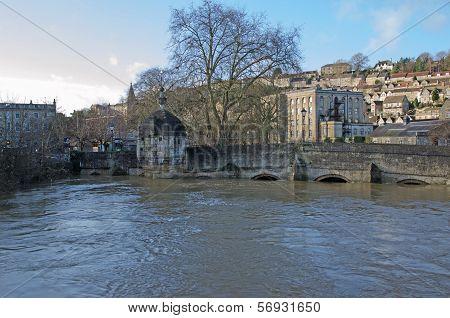 Town bridge, Bradford on Avon during a flood