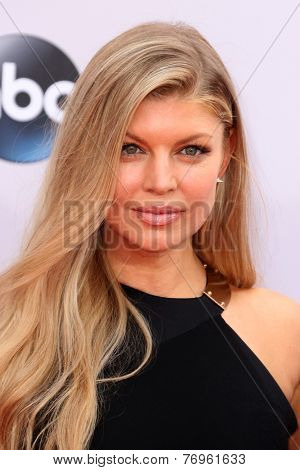 LOS ANGELES - NOV 23:  Fergie, aka Stacy Ferguson Duhamel at the 2014 American Music Awards - Arrivals at the Nokia Theater on November 23, 2014 in Los Angeles, CA