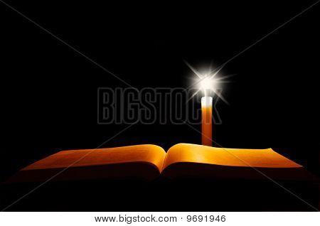 Открытое Библии