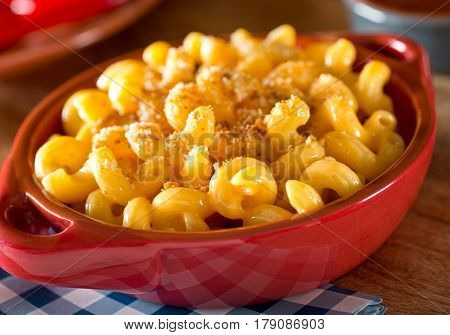 A bowl of delicious home made mac and cheese.