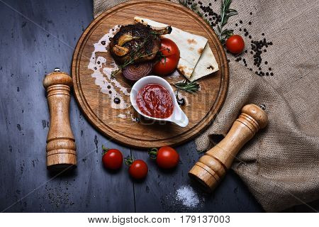 Fried Rib Meat, Pita Bread, Tomato, Onion, Garlic, Ketchup, Thyme
