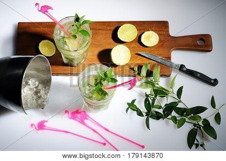 preparing mojito cocktails