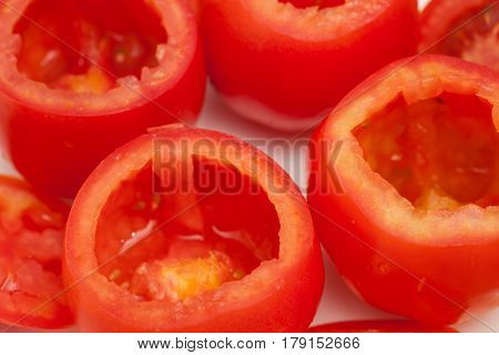 Stuffed tomatoes preparation : Emptied red tomatoes