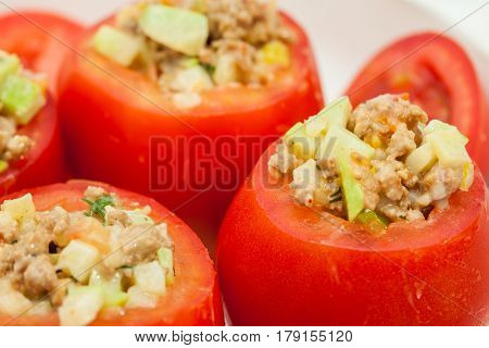 Stuffed tomatoes preparation : Raw stuffed tomatoes