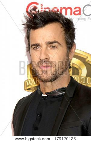 LAS VEGAS - MAR 29:  Justin Theroux at the Warner Bros CinemaCon Photocall at the Caesars Palace on March 29, 2017 in Las Vegas, NV