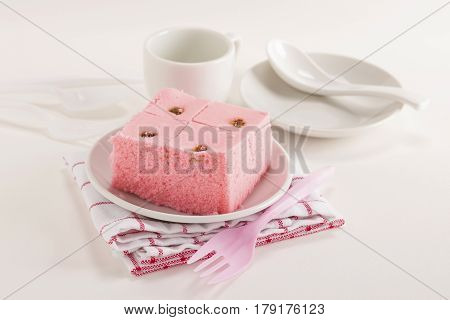 White Sali Cake Meal