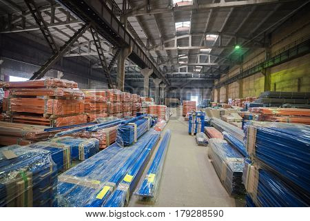 Factory production areas. Production overall metal parts.