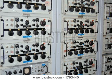 High Frequecy Receiver / Uss Midway