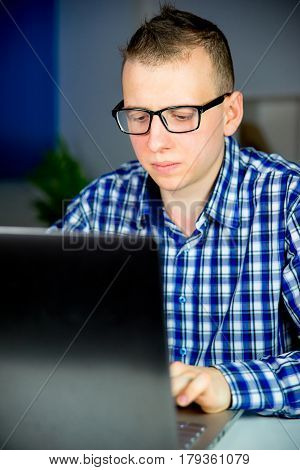 Office worker thinks about tasks given to him