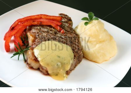 Steak With Bearnaise Sauce And Mash