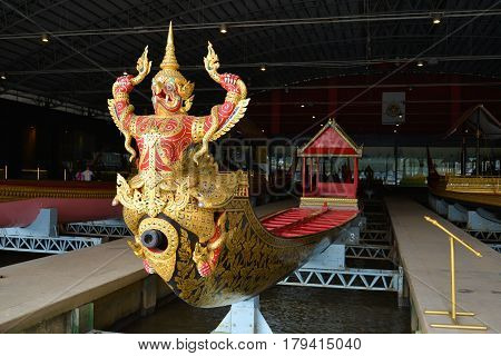 BANGKOK, THAILAND - DECEMBER 12, 2016: Krut Hern Het barge in the Royal barges Museum