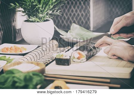 sushi chef cooking japan japanese cuisine kitchen plating hand roll sashimi seafood dish fresh plate food maki concept