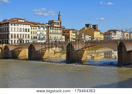 Ponte alle Grazie, bridge (reconstructed after 1945) over the Arno River in Florence, region of Tuscany, Italy