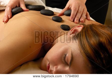 Hot Mineral Stone Spa Treatment