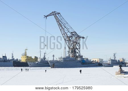 KRONSTADT, RUSSIA - FEBRUARY 15, 2015: A Sunny day in February in Kronshtadt