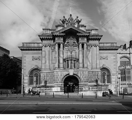 Bristol Museum And Art Gallery In Bristol In Black And White