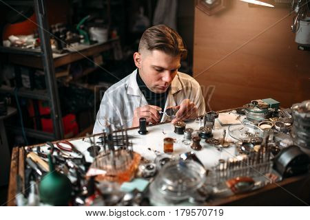Clock maker repair vintage clocks gear
