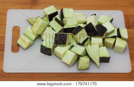 Sliced on medium- sized eggplant cubes .