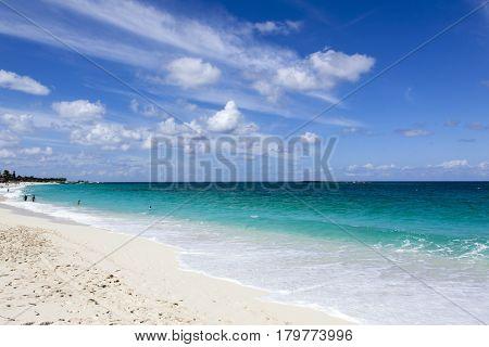 The sunny endless beach on Paradise Island (Bahamas).