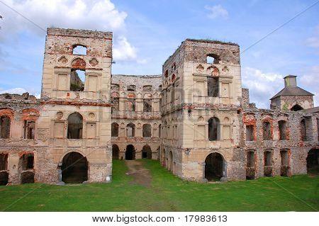 Fortified castle ruin 1